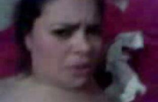 زن نوجوان سیاه و سفید طول سکس زنده خارجی می کشد حمام شیر و سواری دیک