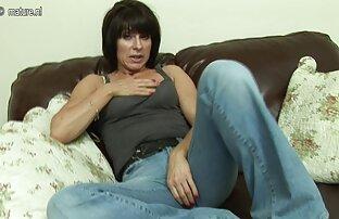 Mindy عمیق با چکیدن ریمل مژه و ابرو طول می کشد بزرگ دیک سکس خارجی زنده عمیق در دهان او