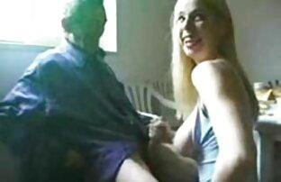 یک مرد در بر داشت یک راه برای سکوت همسرش سکس زنده جدید - او اجازه دهید او را خورد