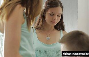 دختر کوچک به طرز ماهرانه ای از licks بیدمشک دانلود فیلم سکسی زنده از دوست دختر صورتی او