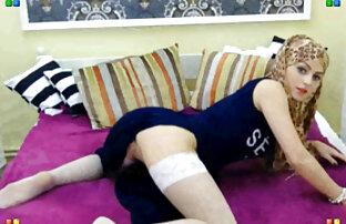 ورزش ها در جوراب ساق بلند صورتی به پایان رسید فیلم های سکسی زنده لعنتی با یک موز