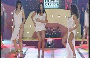 لاسی الکس مای در جوراب شلواری سفید می شود توسط مربی یوگا چت تصویری سکسی زنده