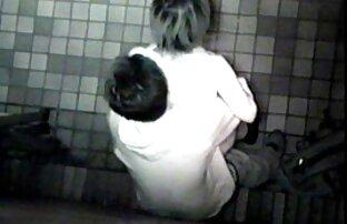 دوربین مخفی وبکم سکسی زنده قطاری دختران برهنه شستشو در حمام