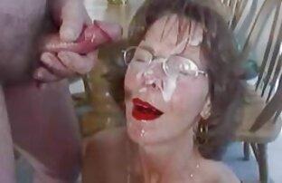 یک مرد متاهل یک عوضی جوان را ربوده و به آرامی او را روی تخت دمار از روزگارمان سکس خارجی زنده درآورد