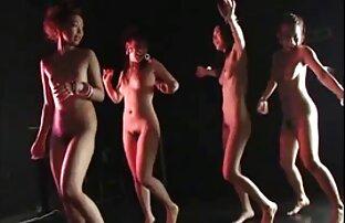 رئیس دست سکس به صورت زنده خود را در مقعد از وزیر سکسی خود قرار داده است